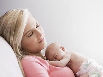 产后哺乳期能化妆吗?